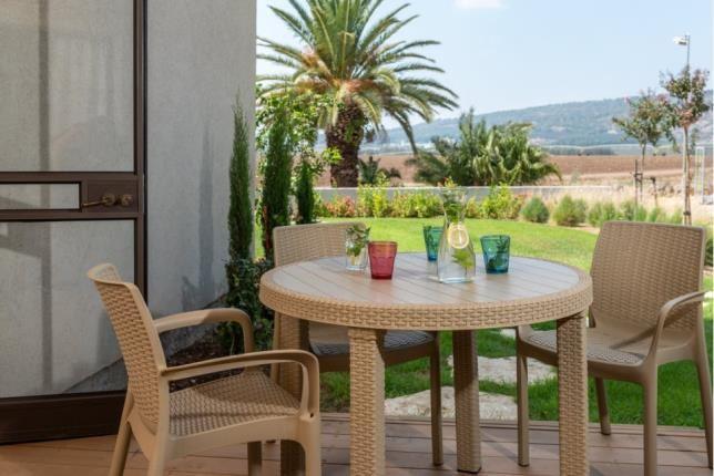 Garden Suite with Balcony in Holiday Village Kibbu